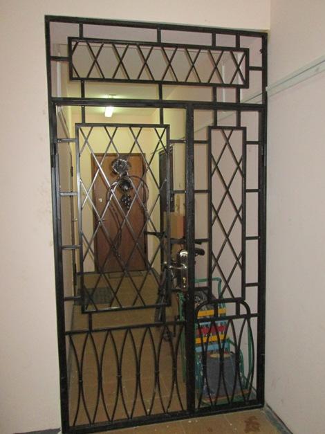 дверь металлическая на лестничную клетку